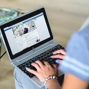 Facebookの新機能「スライドショー広告」