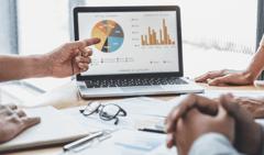 データ分析の考え方とは?代表的な9つの分析手法を解説